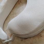 Ортопедическая подушка для кормления грудничков