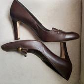 Фирменные люксовые туфли из натуральной мягчайшей кожи р.40-41 на ножку 26-26,5см
