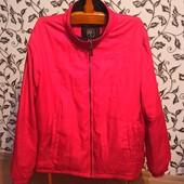 Фирменная курточка, лёгкая и теплая