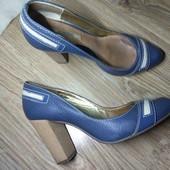 Очень милые туфли с красивым носочком. 23.8 см