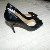 Лаковые туфли с бантом
