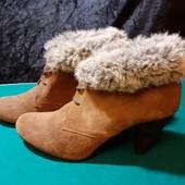 Новые, полностью кожаные деми ботинки Laureana, ориг. Испания, разм. 40 (25,5 см внутри). Сток.
