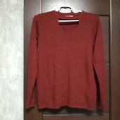 Фирменный красивый вискозный свитерок-водолазка в отличном состоянии р.14-16
