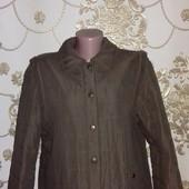 Курточка и как жилетка рукава отстегиваются. Пог-54,5 См.замеры.