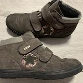 Замшевые Деми ботиночки Richter 35 размер стелька 22,5 см