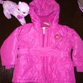 Качественная демисезонная курточка для девочки.