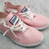 Новые женские кроссовки 37