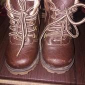 Зимние ботиночки коричневого цвета