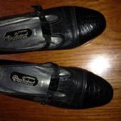 Фірмові туфлі. Шкіра