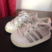 Кросівочки adidas