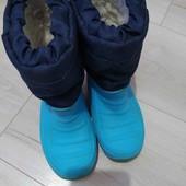 Утеплённые сноубутсы ,размер 25-26.Длина стельки 16,5см.