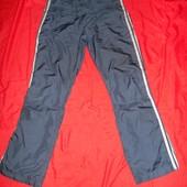 Спортивные штаны Adidas.размер М.в отличном состоянии