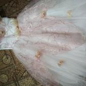 Платье на утренник. Читайте описание