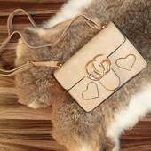 Эффектная сумочка-мини, приятный беж цвет