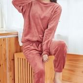 Плюшевая,теплая женская пижама-домашний костюм,размер универсальный-на подарки!смотрим мерки!
