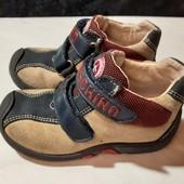 Полностью кожаные деми ботинки с супинатором Moschino, разм. 24 (15,5 см внутри). Сост. очень хорош!