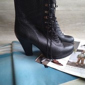 Кожаные высокие ботинки
