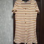Фирменное красивое трикотажное платье в состоянии новой вещи р.16-20