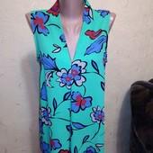 Красивая яркая блузочка 12 размера.