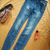 """Стильні фірмові джинси на високу струнку пані з """"вареним"""" принтом"""