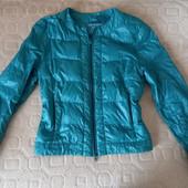 Легкая женская курточка Oodji