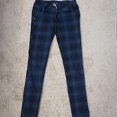 Женские брюки (джинсы)