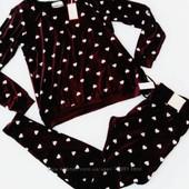 Качественные костюмчики английской фирмы Primark. Цвет баклажан+ розовые сердечки Размер XL