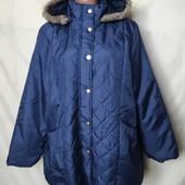 Новенькая фирменная куртка на тонком синтепоне, грудь 122