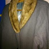 пальто драповое утепленное внутри, воротник - натуральный песец