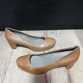 Туфлі із натуральної шкіри зовні і всередині 40 рр і устілка 26,5 см.