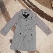 Пальто . Одне на вибір