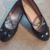 Красивые туфельки фирмы Primark. 35р -21.5см стелька
