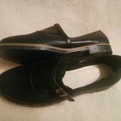 Удобные женские туфельки.