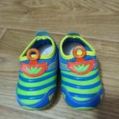 Кроссовки для самых маленьких, светится подошва