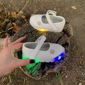 Белые туфли р21,22 для девочки с мигающей подошвой