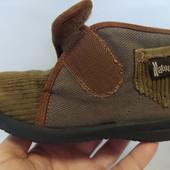 """Ботиночки для деток """"Naturino"""", на липучке. Состояние новых (уп -10%)"""