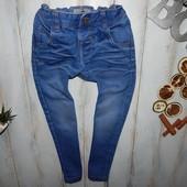Next стильные джинсы на мальчика 3-4 года