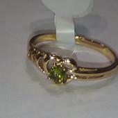 Новинка!!Нежное колечко с оливковым фианитом,позолота 18К, размер 16 и 17