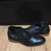 Ботинки із натуральної шкіри зовні і всередині 42 рр і устілка 27,5 см.