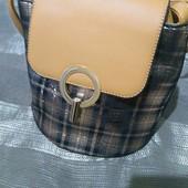 сумочка, клатч женский, удобная и вместительная не смотря на маленький размер, цвет бежевый