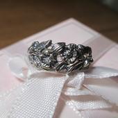 Красивое серебряное кольцо серебро 925пр. для Дюймовочки ! р 15,5