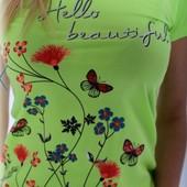 Яркая, стильная футболка женская р.хл, стрейч, на 42-48.Качество супер!Ставьте блиц!❤