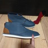 Pull and Bear Ботинки із еко-нубуку,мають підкладку 43 і 44 рри.