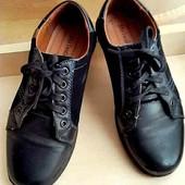 Школьные кожанные туфли.