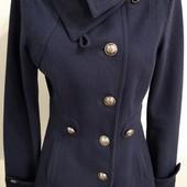 темно- синее пальто фирмы Only, размер S.