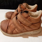 Полностью кожаные деми ботинки Ecco, ориг. Индонезия, разм. 21 (13 см по бирке, реально 14 см).