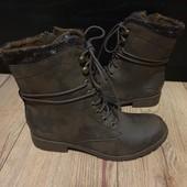 """Ботинки із еко-шкіри """"під старовину,мають підкладку 38 рр і устілка 24,3 см."""