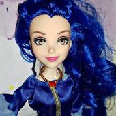 Симпатичная , шикарная.шарнирная кукла 30см (Наследники Диснея)с аксесуар