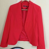 пиджак кораллового цвета