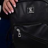 Стильный, классный, классический черный рюкзак.